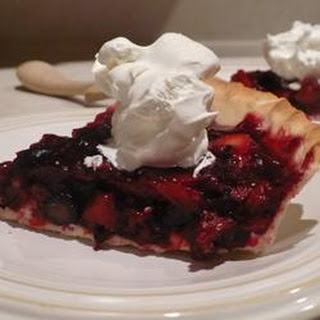 Maman's Fresh Strawberry Rhubarb Pie