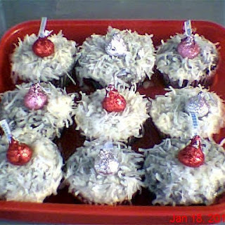 Murder Mystery Food-Kisses in the Moonlight Cupcakes