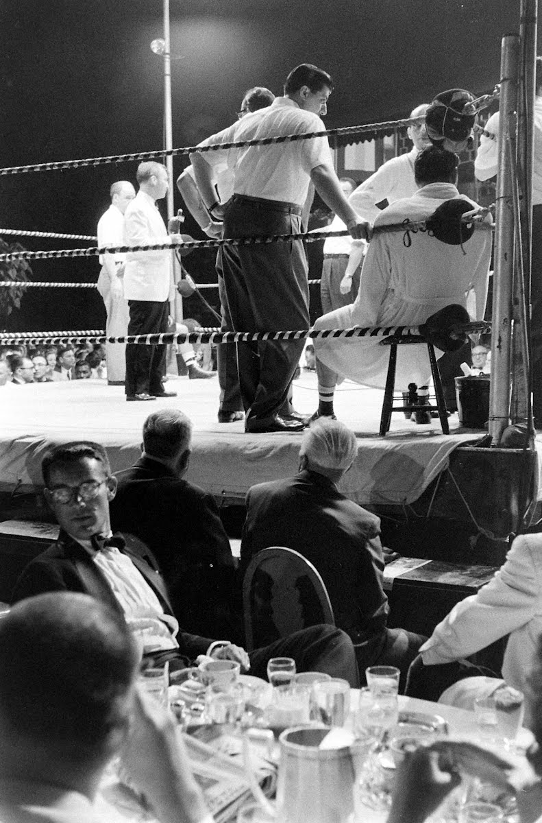 Giradello And Szuzina - Boxing At The Shoreham Hotel Terrace