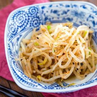 Spicy Bean Sprout Salad