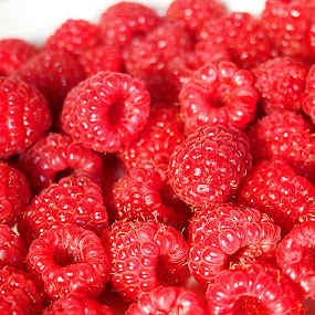 Raspberry from my mom's garden by Name of Rose - Food & Drink Fruits & Vegetables ( fruit, red, raspberry, garden, mom, raspberries )