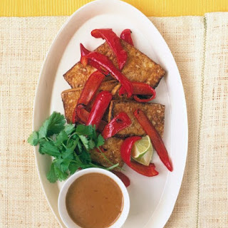 Tofu and Peppers with Spicy Peanut Sauce
