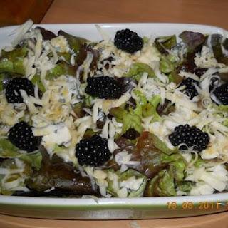 Lekkere Salade Met Bramen, Kaas En Walnoten