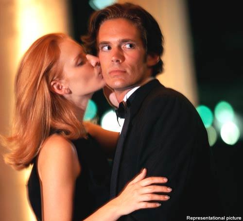 El arte de la seducción no es complicado si cumples con un par de parámetros. Una mujer espera que la entiendas, escuches y apoyes en los momentos críticos.