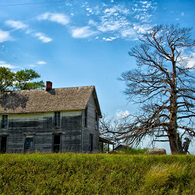 Abandoned Farm House by Hugh Hazelrigg - Buildings & Architecture Decaying & Abandoned ( clouds, home, derelict, house, architecture, kansas, abandoned )