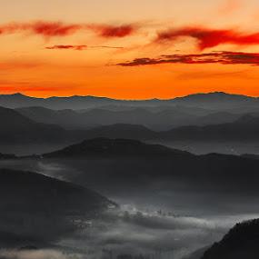 Timp la inaltime by Geanina Boureanu - Landscapes Mountains & Hills ( hills, nature, lanscape, moning )