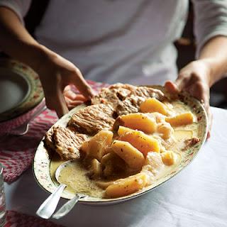 SzéKelyalmáS (Pork with Apples and Cider Cream Sauce) Recipe