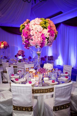 Wedding centerpieces ideas wedding decor ideas this application shows you the galleries of beautiful wedding centerpiece ideas junglespirit Choice Image