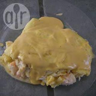 Zeevruchten Omelet Met Romige Kaassaus