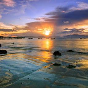 Hu'u by Erwan Setyawan - Landscapes Beaches