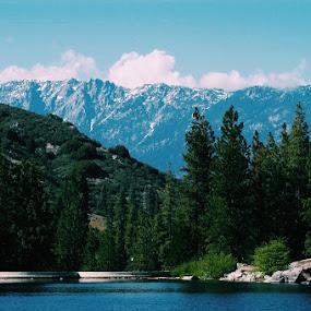 Humelake  by Eleazar Valdez - Landscapes Mountains & Hills ( #lake#mountain#trees#california#lake#green#blue#water#peaceful )