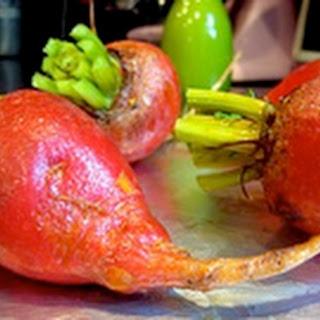 Moroccan Beet Salad with Arugula & Cinnamon Oranges
