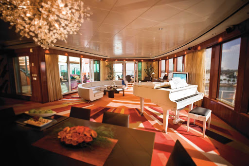 Norwegian-Pearl-Stateroom-Garden-Villa - Norwegian Pearl guests checked into the Haven Garden Villas enjoy modern and luxurious furnishings, a grand piano and floor-to-ceiling window views.
