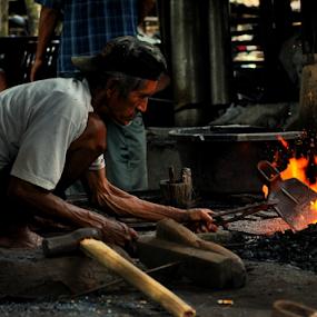 pande besi by Arif Setiawan - People Professional People