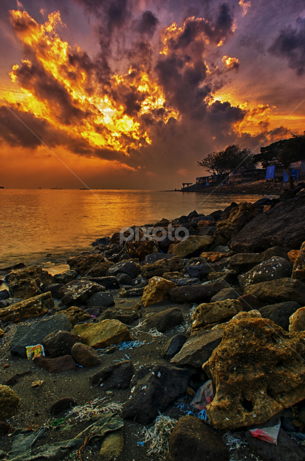 fire cloud by Ahmad Sahroni - Landscapes Sunsets & Sunrises ( #kenjeran_beach #surabaya #indonesia )