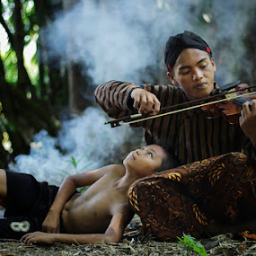 fff by Haris Fallin - People Family ( dad with kids, dad and 'kid' )