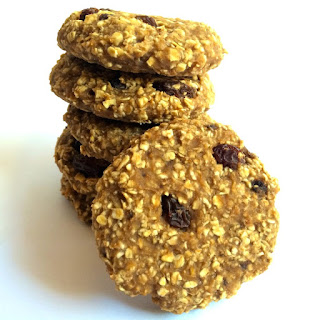 Healthy Oatmeal Raisin Cookies.