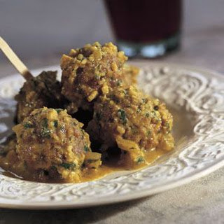 Meatballs in Almond Sauce (Albóndigas en Salsa de Almendra).