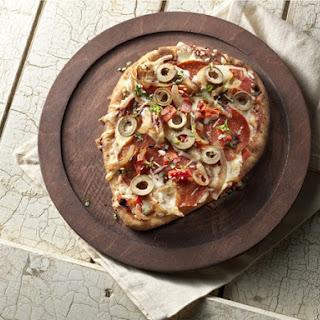 Deluxe Garlic Naan Pizza