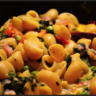 Creamy Gomiti Pasta with Peas, Spinach and Bacon