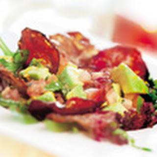 Lunchsalade Van Rucola, Met Avocado, Chorizo En Ham