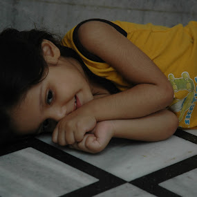 so sweet..... by Raj Verma - Babies & Children Child Portraits
