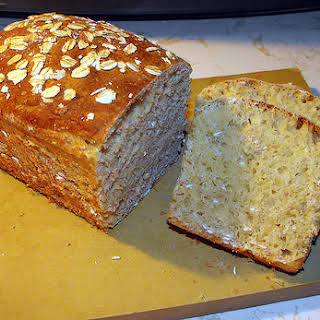 Low Calorie Honey Wheat Oatmeal Bread Machine Bread recipe – 173 calories.