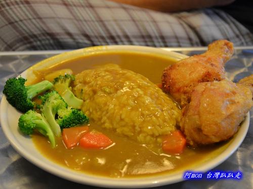 狗尾巴~親民價格且餐點多樣的咖哩輕食店