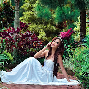 Beautiful Sherly by Jiboy Mandey - People Fashion ( pose, model, malang, sli, colorful, indonesia, jiboy, beauty, nikon )