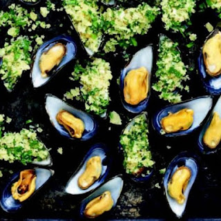 Rachel Allen's Mussels with Garlic and Bread Crumbs