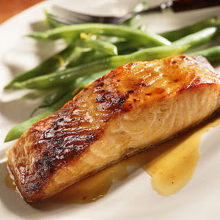 Cinnamon-Apricot Glazed Salmon