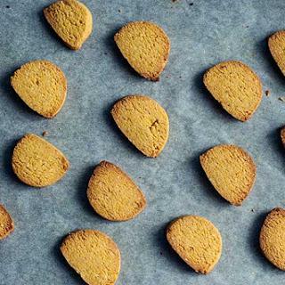 Turmeric & Almond Cookies