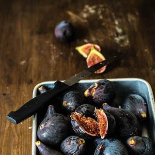 Quick Fig-Mozzarella Cheese Puffs