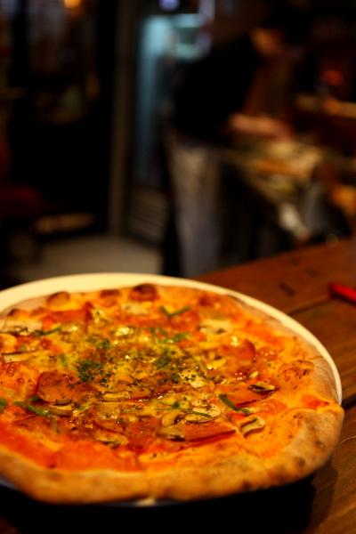 [台北中原街]We里.手工Pizza(義式窯烤) /壽司 生魚片