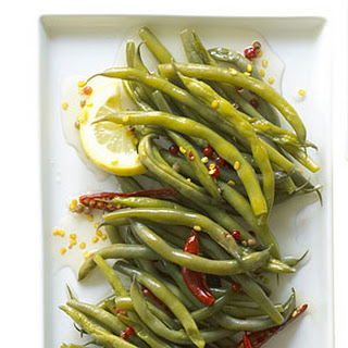 Spicy, Crunchy Pickled Green Beans with Lemon.