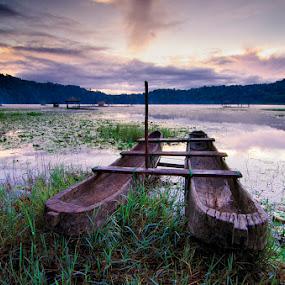 Canoe by Eris Suhendra - Landscapes Sunsets & Sunrises ( bali, village, indonesia, lake, sunrise, travel, landscapes, highlands, water, device, transportation )