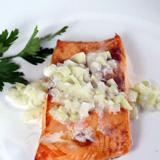 Broiled Salmon With Cucumber Sauce