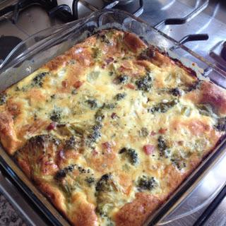 Crustless Broccoli Ham and Feta Cheese Quiche