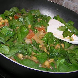 Spicy Paprika Spinach and Garbanzo Beans Recipe