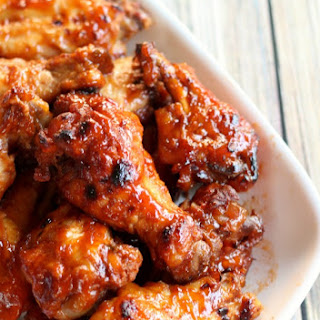 Slow Cooker Apricot BBQ Chicken Wings {Tailgating Recipes}.