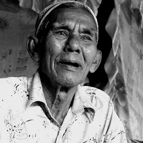 PAk Hassan by Wanamex Iwan - People Portraits of Men (  )