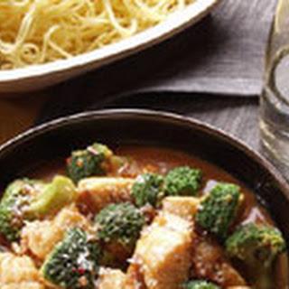 Visfilet Met Broccoli En Sambal-klappersaus