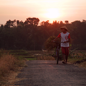 it's time to going home by Ngatmow Prawierow - People Street & Candids ( minority, farmer, petani, old man, people, portrait )