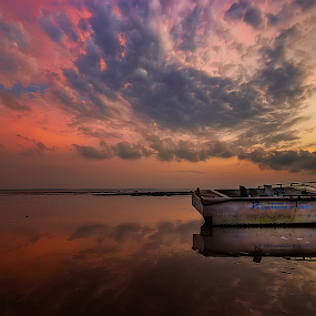 water mirror by Yossy Ryananta - Landscapes Waterscapes ( water, beach, sunrise, seascape, water mirror )