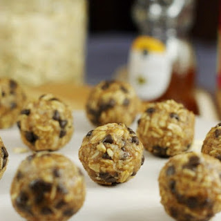 No-Bake Peanut Butter & Chocolate Chip Granola Bites