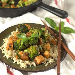 Peanut Butter Basil Tempeh with Broccoli