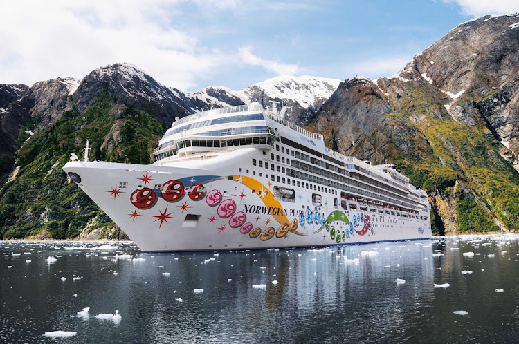 Enjoy the view of Alaska's magnificent coastline aboard Norwegian Pearl.