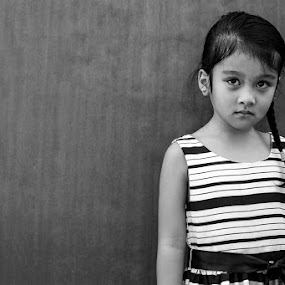 Hana by Jon Soriano - Black & White Portraits & People ( girl child, child, girl, black and white, mood, child portrait, moody, children, candid )