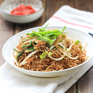 Soy Sauce Fried Noodles (Chow Mein).