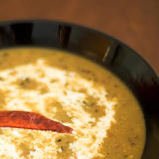 Dal Makhani (Black lentils in creamy sauce).